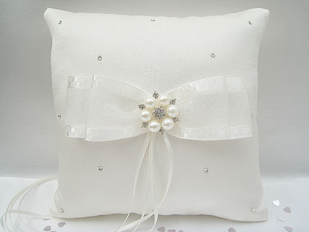 No.6 Diamante & Pearl Wedding Ring Cushion £24.99