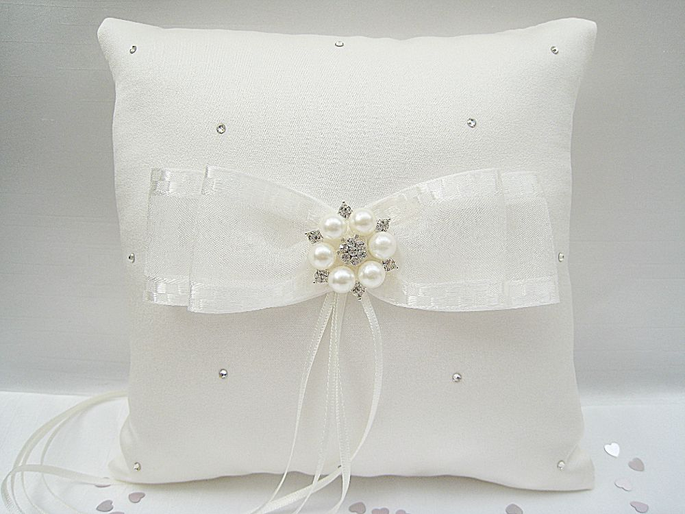 No.2 Diamante & Pearl Wedding Ring Cushion £24.99