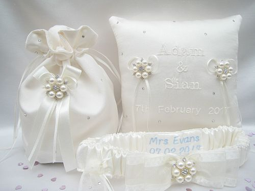 Jane Set Of Wedding Garter, Ring Cushion & Dolly Bag