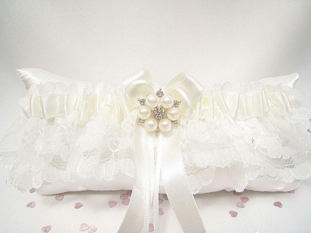 'Bailey' Luxury Lace Wedding Garter £25.99