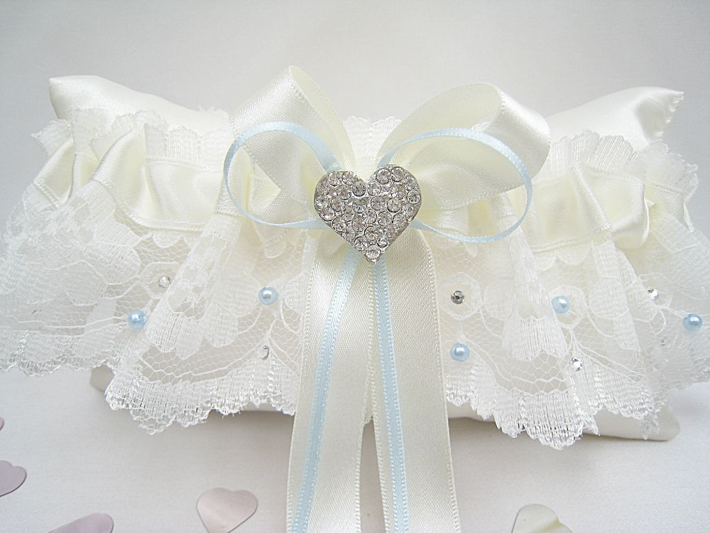 Emi  Luxury Lace  Pearl & Diamante Garter £29.99