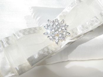'Bliss' Satin & Diamante Wedding Garter UK
