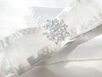 BLISS Ivory Luxury Wedding Garter UK