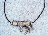 LOUNGING CAT NECKLACE