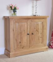 Hampton Abbey Oak 2 Door Cupboard