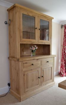 Hampton Abbey Oak 2 Bay Dresser