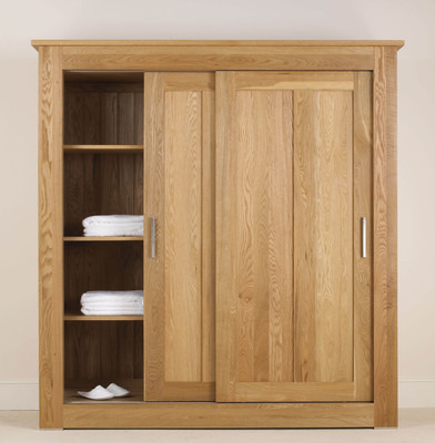 Quercus 1.8 Sliding Door Wardrobe with Centre Divide + Half Shelves