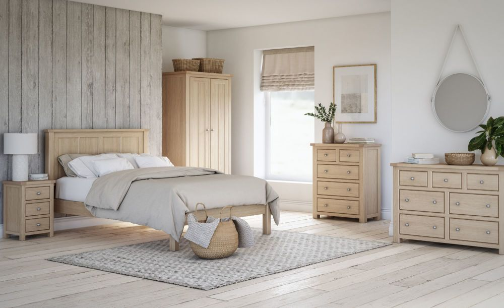Bretagne Oak Bedroom-low
