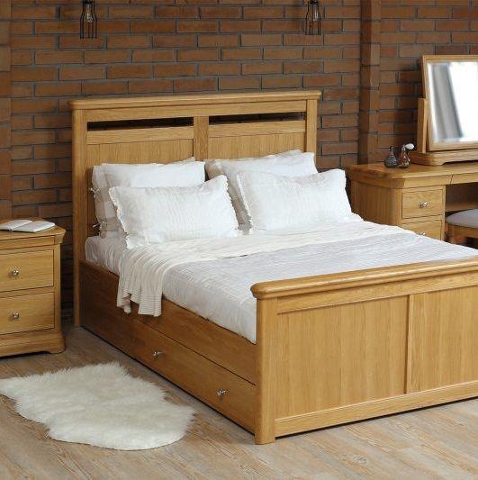 Lamont Oak Bedroom