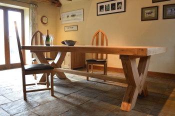 Hampton Abbey Oak Table - 2.5m Fixed Top Table