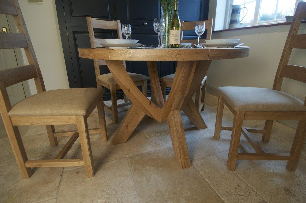 Hampton Abbey Circular Table