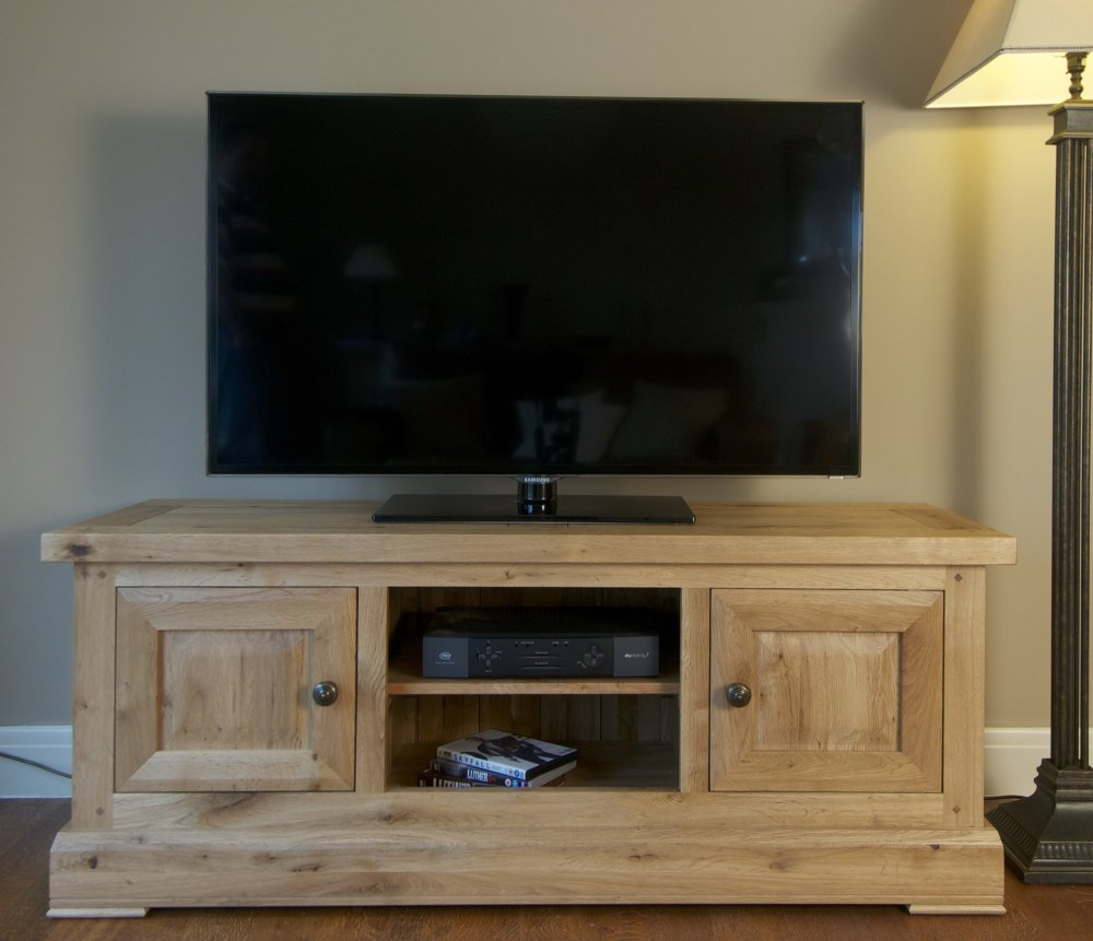 Hampton Abbey TV Unit