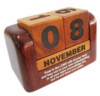 Christian desktop gift solid wooden perpetual calendar - Trust in the Lord 10cm wide