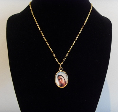 Gold metal Queen of Peace medal necklace - 17inch