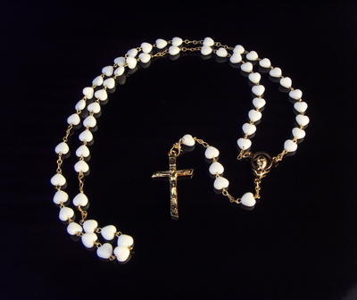 White glass heart rosary beads with opaque finish, 6mm