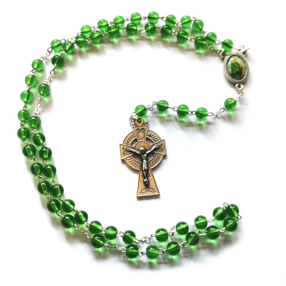 St. Patrick rosary beads round green glass Celtic cross in box 45cm