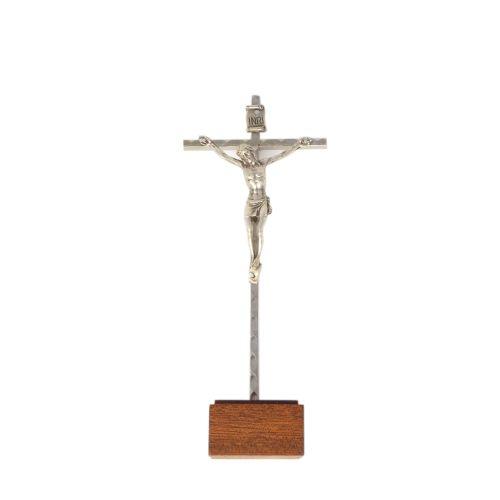 C bc Metal crucifix standing cross 14cm on a wood base