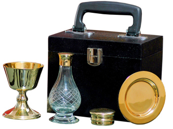 Communion set in box case Chalice Paten Glass Cruet + pyx quality brass
