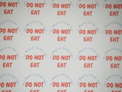 A4 Sheet of Round DO NOT EAT Reindeer food Stickers