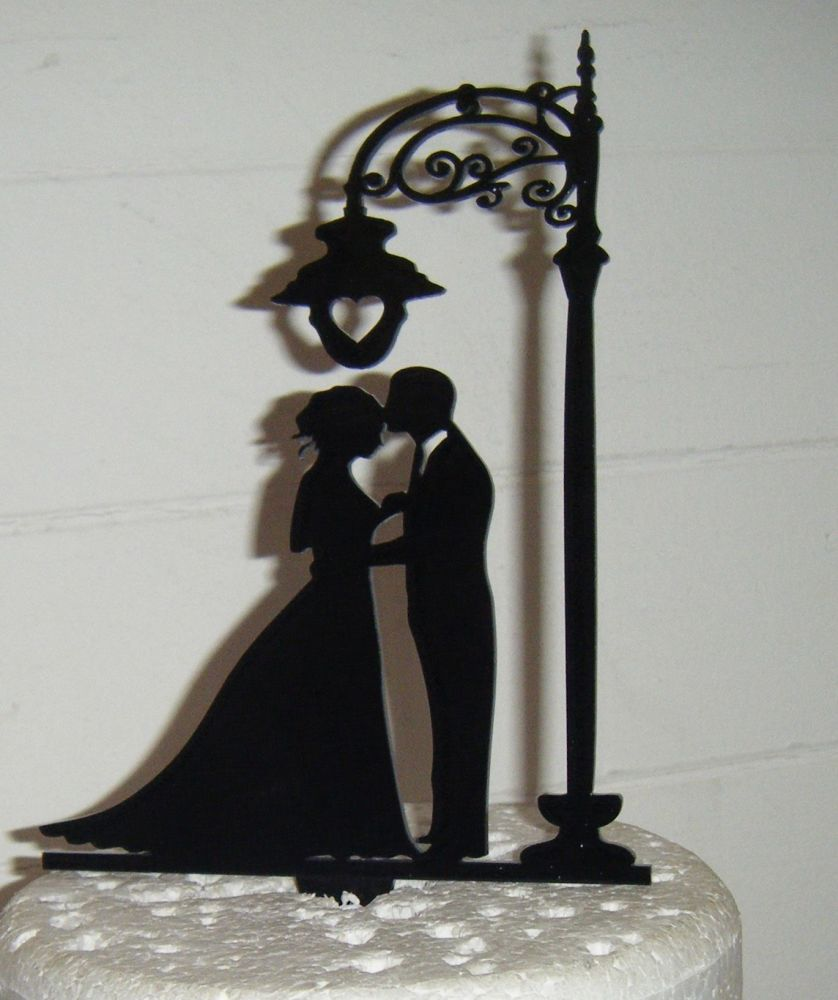 Wedding couple under lamp post Silhouette Cake Topper