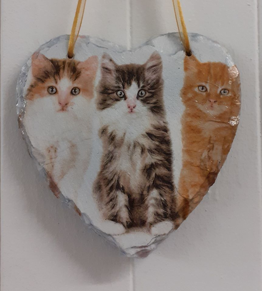 Decoupage Slate Hanging Heart - Cats Kittens Design
