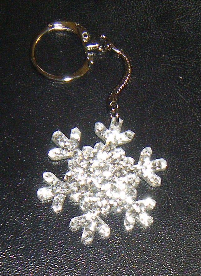 Snowflake Silver Glitter Acrylic Shape Keyring - Lasercut