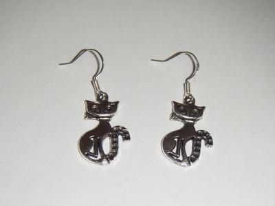 Antique Silver tone Fancy Cat Earrings
