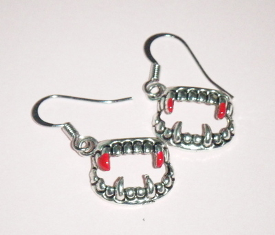 Antique Silver tone Vampire Fang Blood Earrings