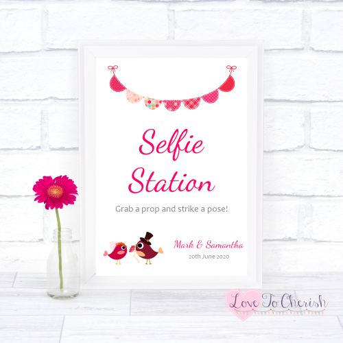 Selfie Station Wedding Sign - Bride & Groom Cute Love Birds Dark Pink | Lov