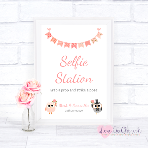Selfie Station Wedding Sign - Bride & Groom Cute Owls & Bunting Peach | Lov