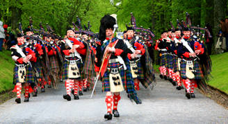 atholl_highlanders_pipe_band