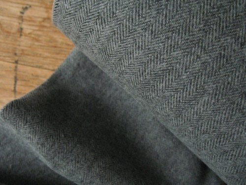 Robert Kaufman Shetland FLANNEL herringbone in jet dark grey