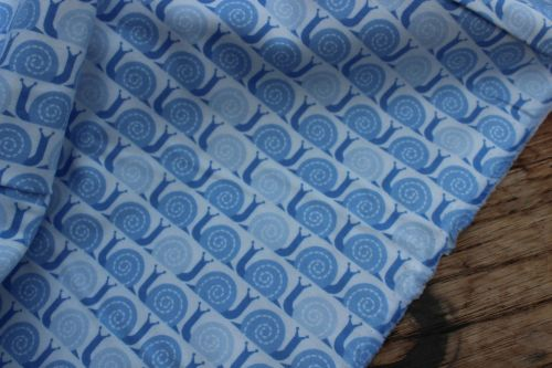 Cloud 9 fabrics Field Day Snails Pace blue - FLANNEL