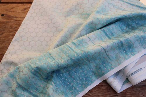 Jennifer Sampou Shimmer on - tile single border in ocean- pearlised