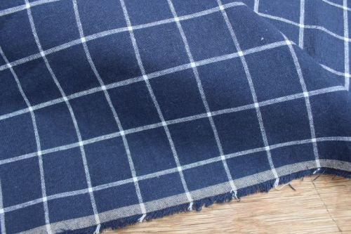 Robert Kaufman Essex YARN DYED classic wovens windowpane indigo