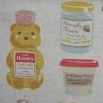 Kokka Honey bear on linen mix