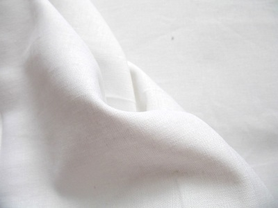 Robert Kaufman Essex LINEN WIDE in white