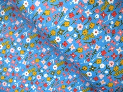 Carolyn Gavin Village green ditzy flower in blue