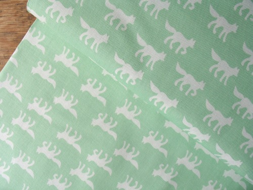 Copenhagen Print Factory ORGANIC foxes on mint