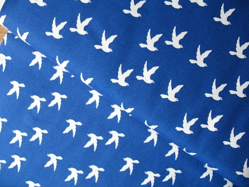 Copenhagen Print Factory ORGANIC doves on navy