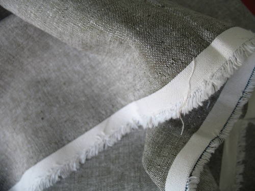 Robert Kaufman Essex YARN DYED LINEN in olive