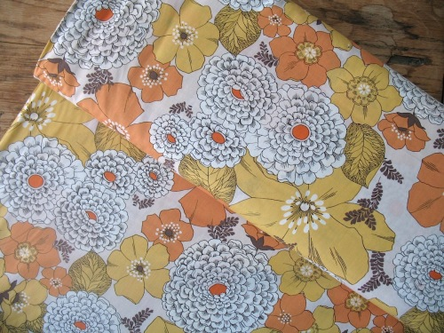 Robert Kaufman Lennox Gardens floral print 3 COTTON LAWN