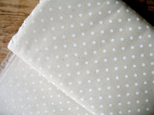 Sevenberry white  5mm spot on natural  linen mix