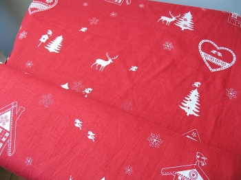 La chateaux des Alpes' Robins at Christmas pure linen in red (WIDE)