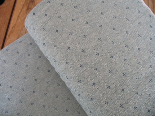 Stof Japanese Yarn dyed textured cotton crosses in blue