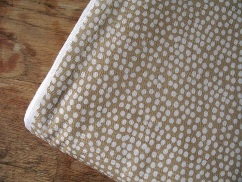 Dashwood Studios Flurry in taupe