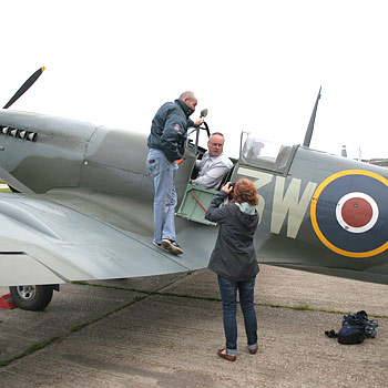Give your loved on the chance to Sit in a Spitfire at Bigging Hill in Kent
