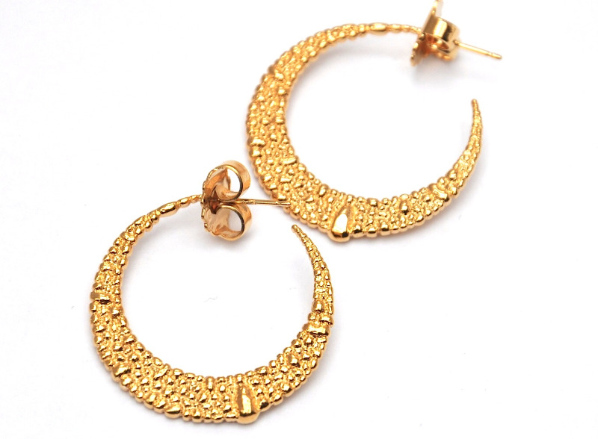 La Corza gold hoop earrings