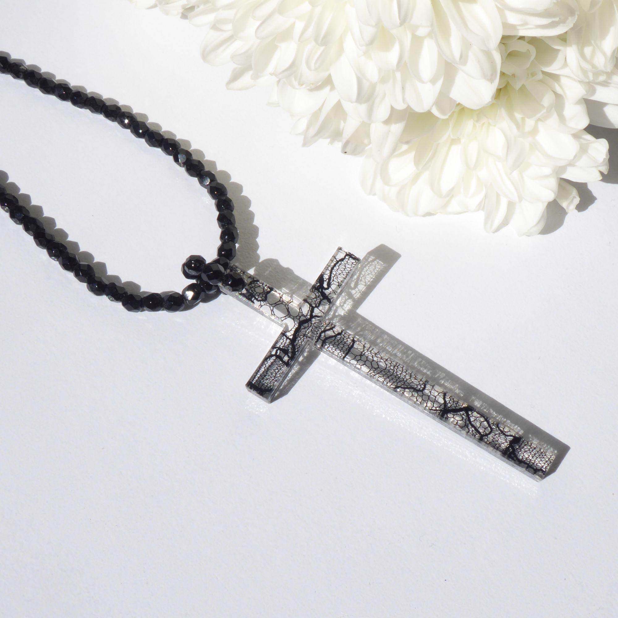 Chantill lace cross