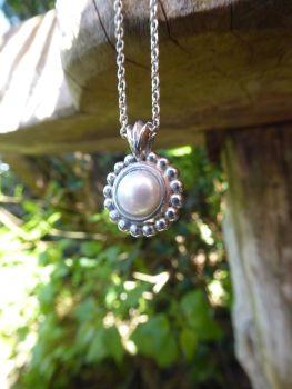 Alto Pearl - White Pearl Pendant